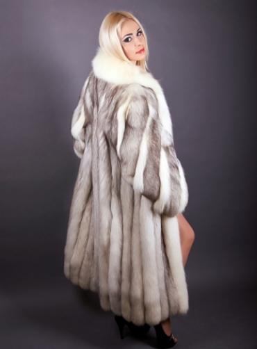 Шуба из полярной лисы